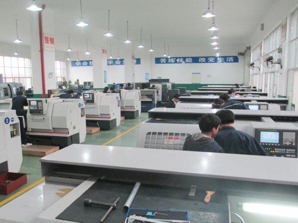 胜昌CNC加工中心车间-2
